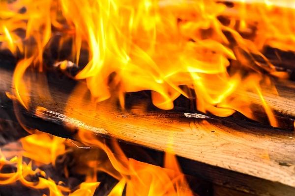 В Марий Эл пьяный мужчина устроил два пожара за один день.