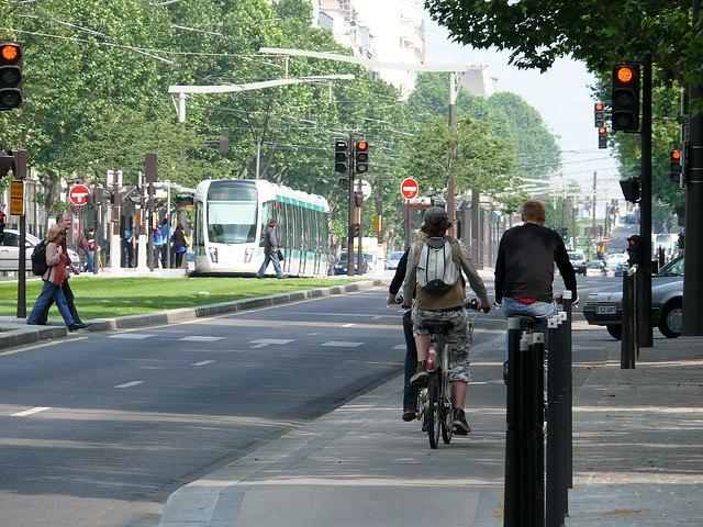 Париж трамвай автомобілізація Lypneva Львів розумні світлофори