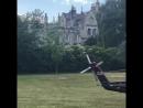 Герцог Кембриджский возвращается в Кенсингтонский дворец после открытия нового здания центра реабилитаци военных DNRC 21 июня 🚁