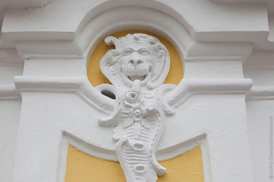 Сколько львов в Петербурге