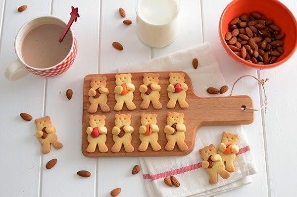 """Имбирное печенье """"Мишки с орешками""""."""