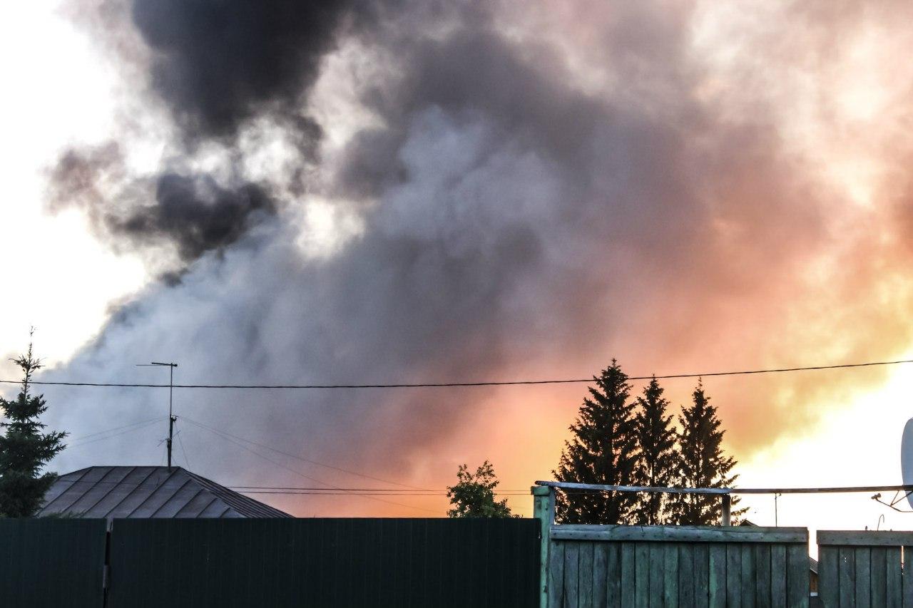 На территории «АтлантАвто» - крупный пожар 2
