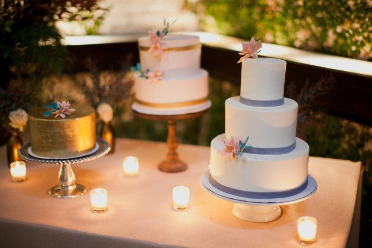 cngQzvDx 4A - Золотые и серебряные свадебные торты 2016 (70 фото)