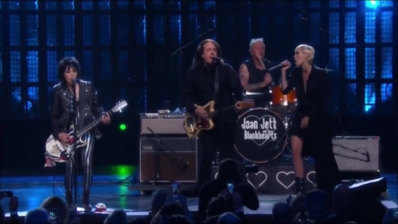 Joan Jett _ Miley Cyrus _ Crimson Clover _ Rock Roll Hall Of Fame _ 1080 HD
