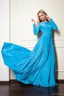Платье голубое в пол фото