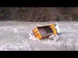 Новые дтп и аварии на грузовиках маз сдавал назад и оказался в реке На нашем канале дтп, автокатастр