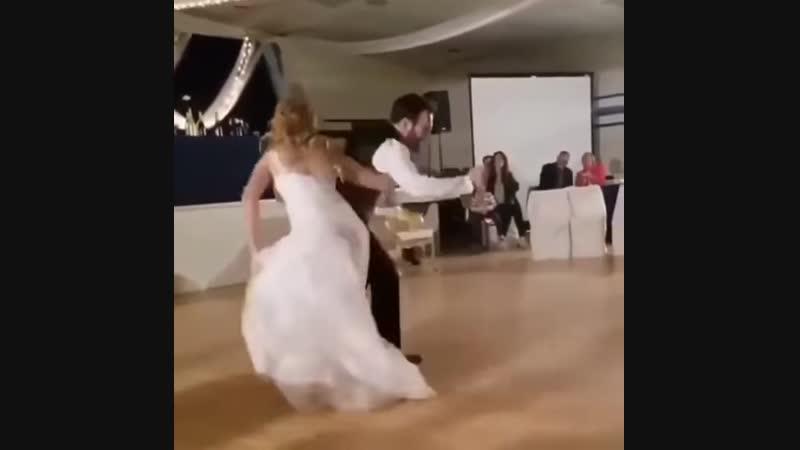 Свадебный танец 80го лвла