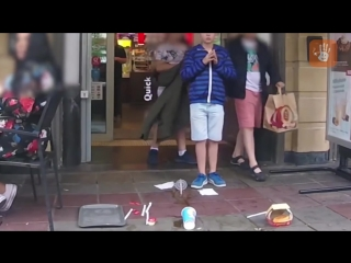 [LIVE Emotions] Ребенок уронил поднос с едой в кафе. Социальный эксперимент.[LIVE EMOTIONS]