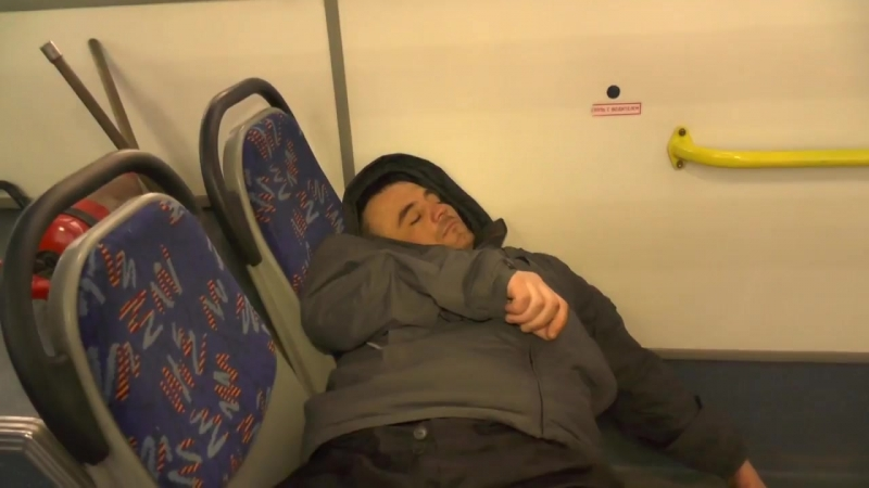 Захмелевший пассажир уснул в автобусе ул. Сурикова. 15.03.2018