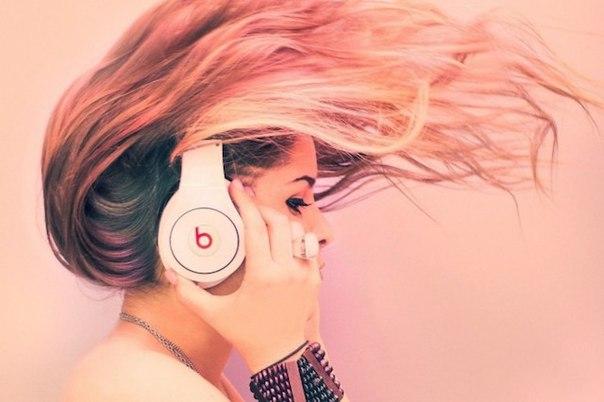 Лизтомания — потребность слушать музыку все время.