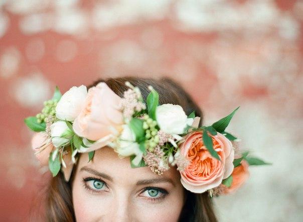 Венок своими руками на голову из живых цветов