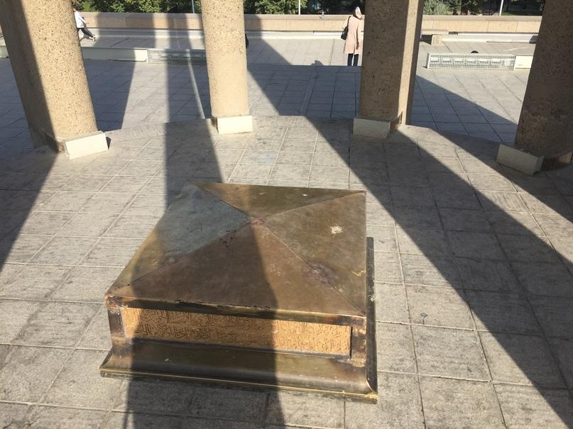 Иран 4. Гробницы Авиценны 4