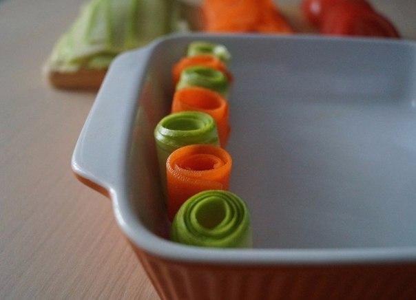 Красивая овощная запеканка Ингредиенты: ● Кабачок молодой 1 шт. ●