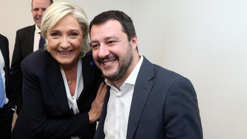 La vicepremier del governo Salvini Marine Le Pen approva: cacciate le Ong