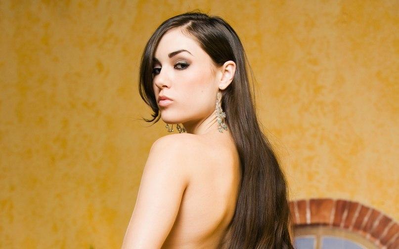 nude malay model