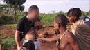 Изолированное африканское племя hamer шокировало, когда они увидели белого человека😃