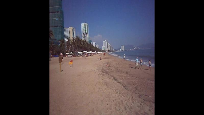 Утро в декабре на пляже Нячанга.