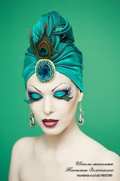 Вечерний яркий макияж для блондинок