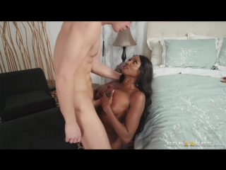 Diamond Jackson - Sucked By The Soccer Milf (Milfs Like It Big) [Brazzers, Mom, Cowgirl, Blowjob, Doggystyle, Dark Skin, Sport]