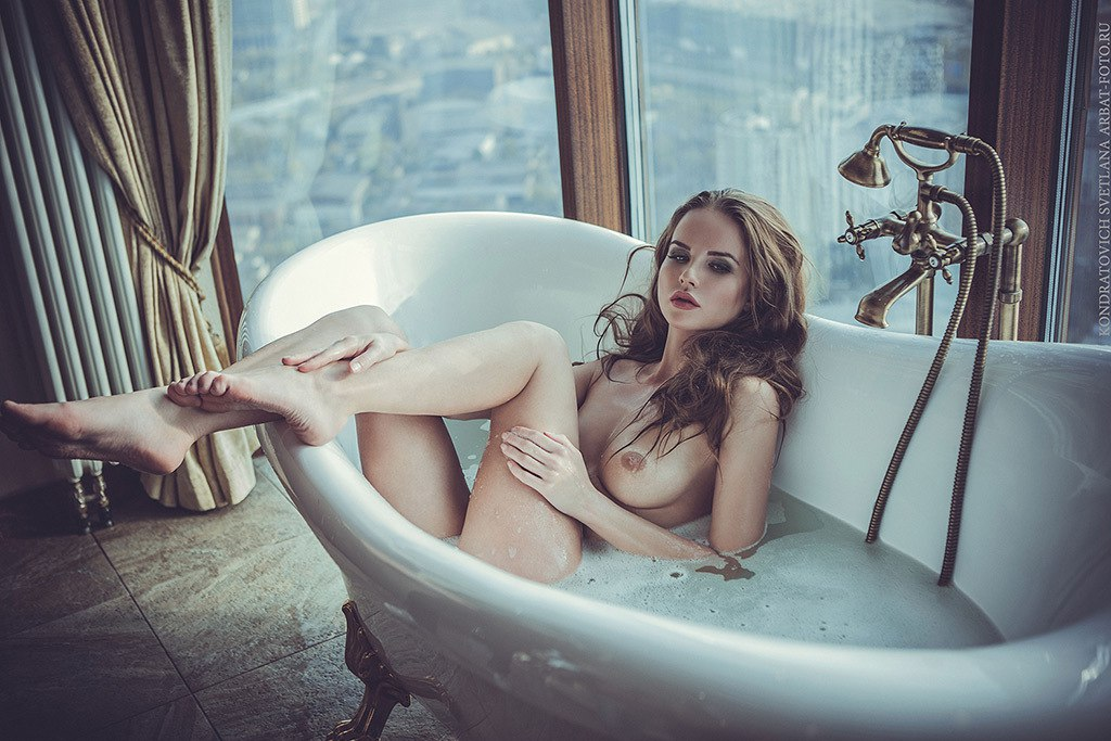 Bathroom naked girls, english emo girls sex