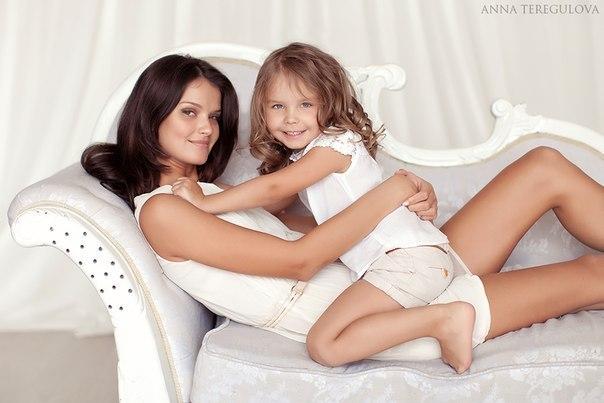 Иметь ребенка - это богатство, быть мамой - великое счастье! Значит я богатая и счастливая!