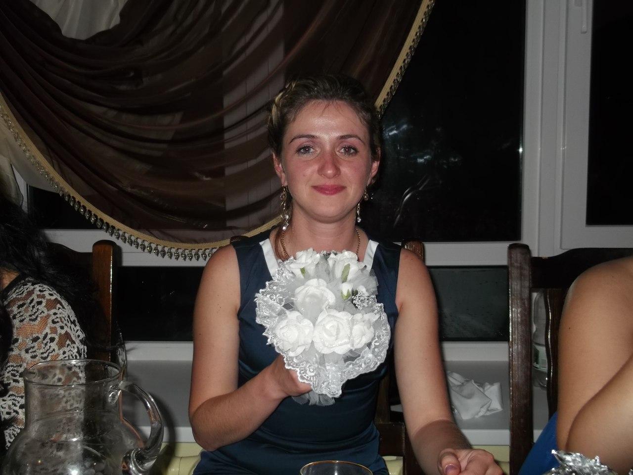 фото марии желтовой розами карельского гранита