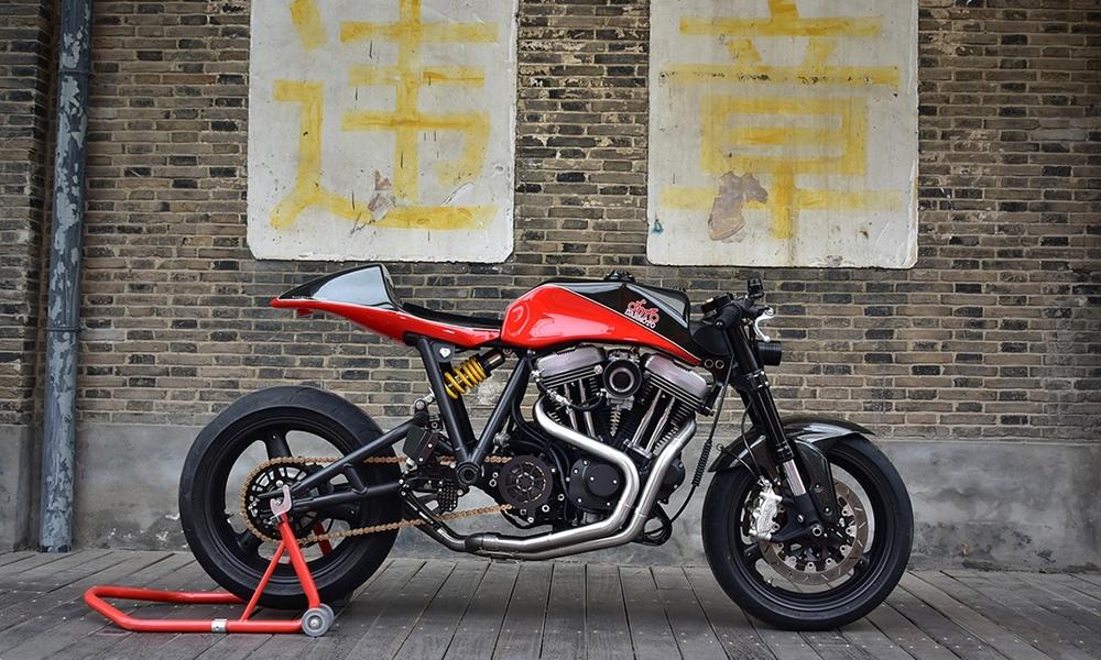 Danmoto: кафе рейсер Harley-Davidson Sportster