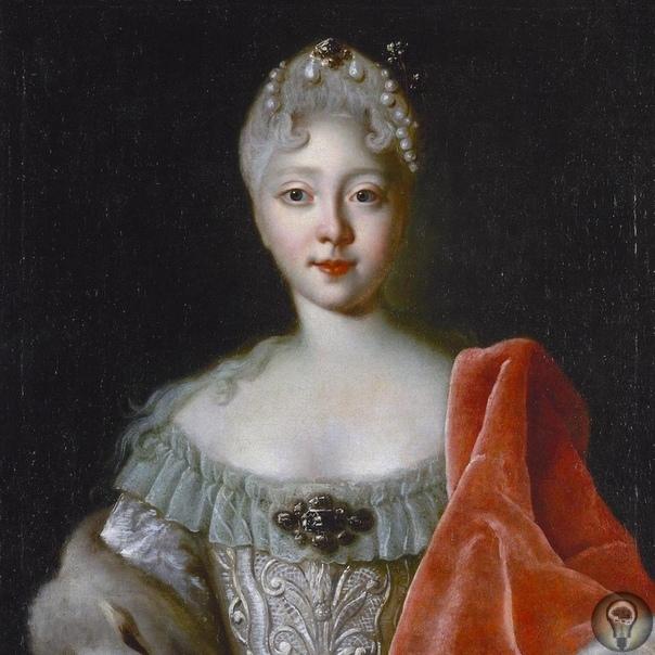 Елизавета Петровна веселая императрица Правление Елизаветы, «дщери Петра», вошло в историю как эпоха танцев, развлечений и бескровной политики. Дочь Петра Елизавета Петровна появилась на свет в