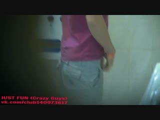Spy pissing guys holiday in united kingdom член хуй ссыт penis cock pee public toilet