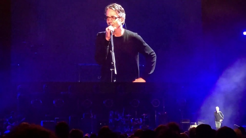 Stone Gossard Lily Cornell Silver's speach followed by 'Reach Down' (Miguel, Costa, O'Brien)