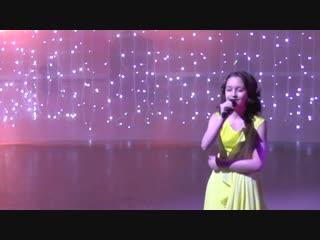 Софья Брысина солистка коллектива любителей эстрадного вокала
