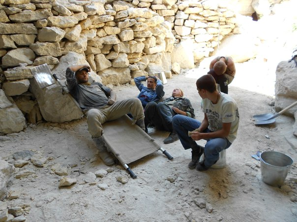 Военно-археологическая экспедиция - Аджимушкай-2013 NqJa99qYhGo