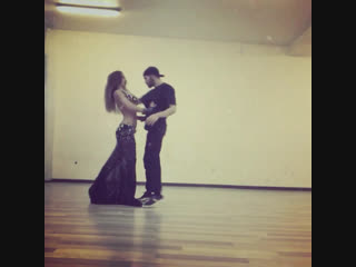 Breakdance+Bellydance