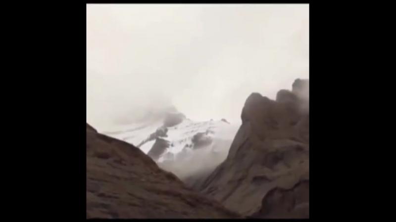 Индуистский гуру Isha , основатель одноименного Учения, побывал в Тибете, у горы Кайлас. У него тысячи последователей по всему м