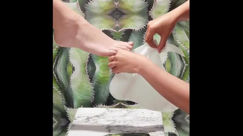Увлажняющие носочки OPI