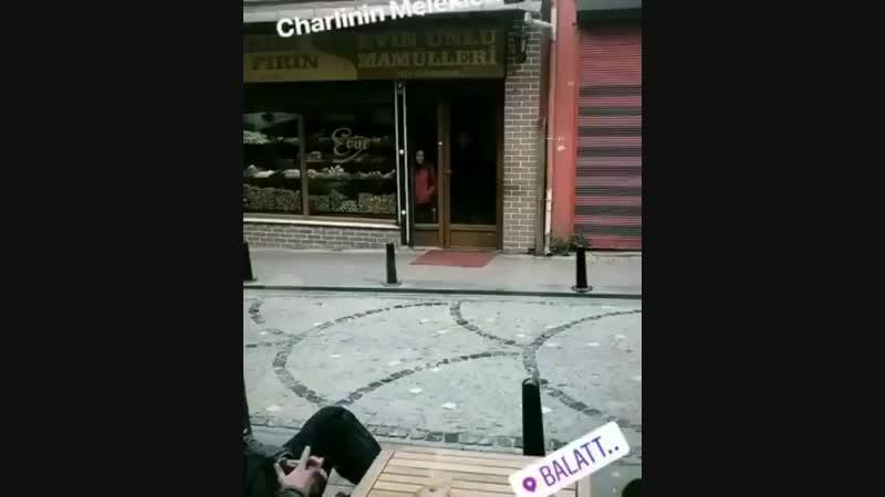 Кристен на съемках фильма Ангелы Чарли в Стамбуле
