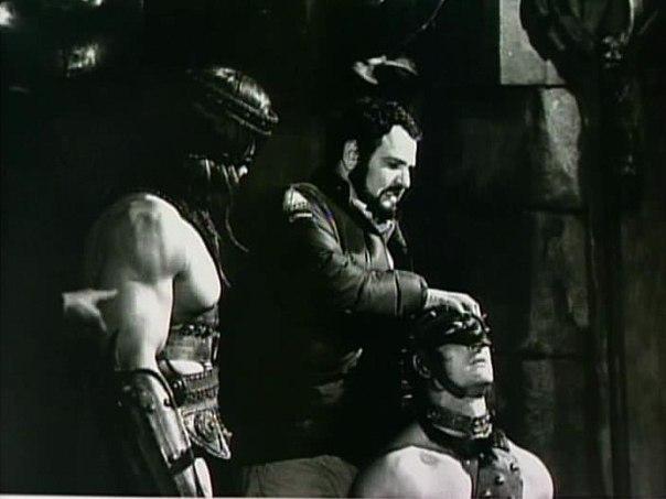 ÁLBUM DE FOTOS Conan the Barbarian 1982 - Página 2 UHA940a-kfg