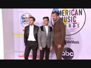 Joseph Mazzello, Rami Malek and Gwilym Lee at the 2018 American Music Awards