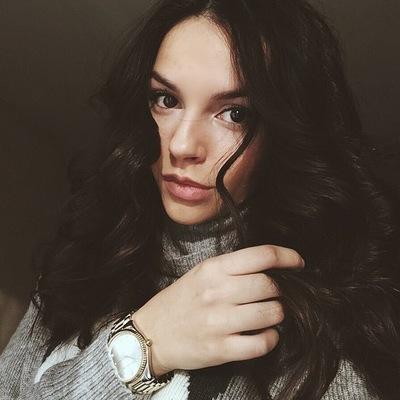 Алина Макаревская