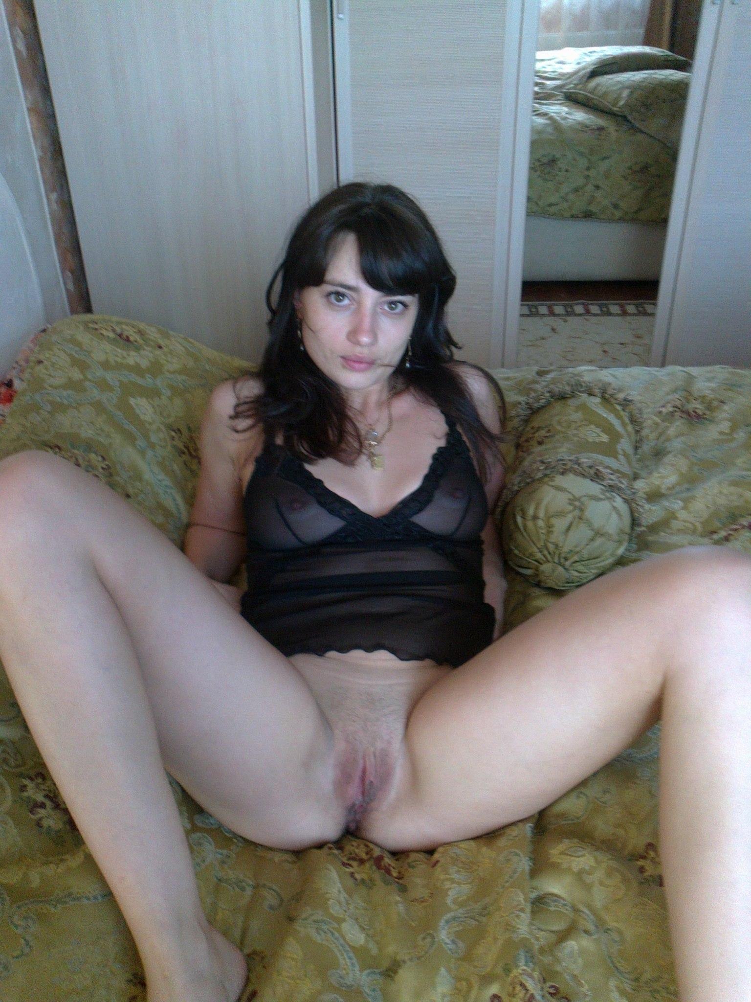 Частное фото жен с раздвинутыми ногами 6 фотография