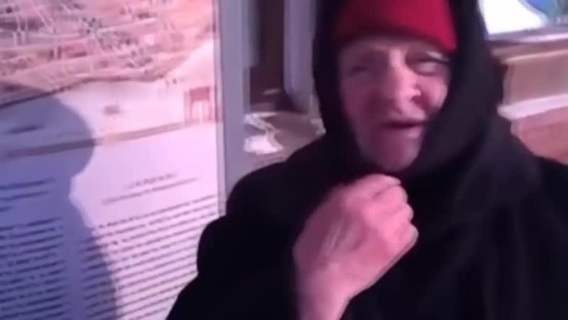 """Иркутская бабушка передала _""""привет_"""" бесам Путину и Медведеву... (архивное видео)"""
