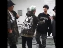 ᵗᶦⁿʸ yoongi trying to play a fight with big jungkook remains the cutest video in this clap