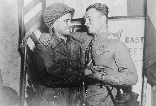 Из воспоминаний Сильвашко Александра: « Весной 1945 года на подступах к Эльбе мой взвод не раз встречал отчаянное, бешеное сопротивление беспорядочно отступающих немцев. Вечером 24 апреля 1945