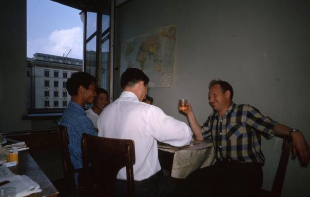 Серия фотографий о жизни в общежитии МГУ. 1964 год. Автор: американский учёный и фотограф Томас Тэйлор