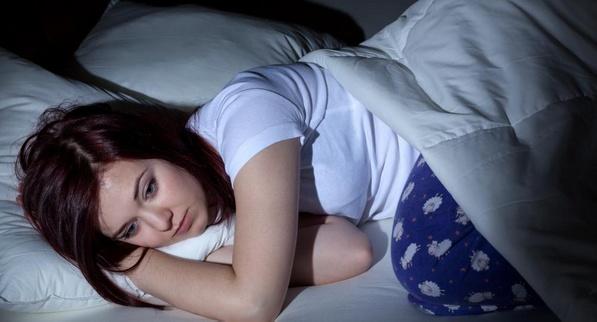 Симптомы отмены героина могут включать бессонницу