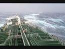 Очень сильный шторм в атлантическом океане, tanker in big storm