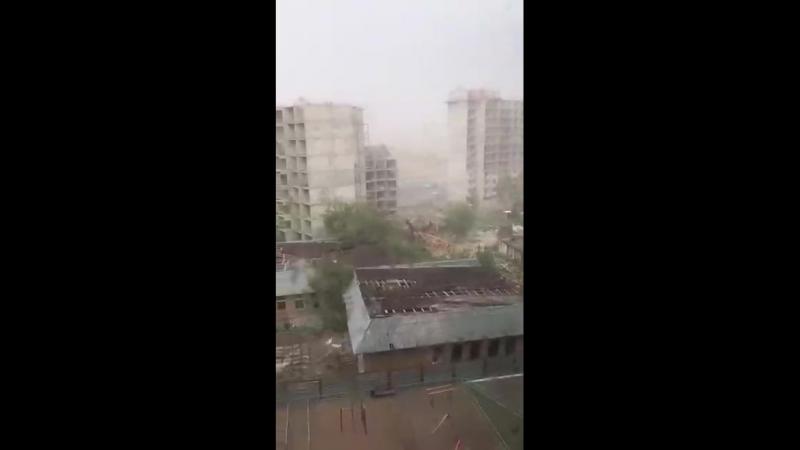 Сильный буран в Астане 22.05.2018г.