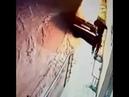 Поджигатели цветочного магазина загорелись сами в Красногорске реальная съемка момента