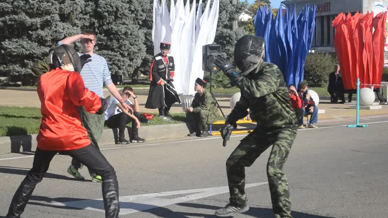 Ножевой бой воспитанника нашего клуба Олега Богомолова на спартакиаде казачьих боевых искусств в г. Курганинске.