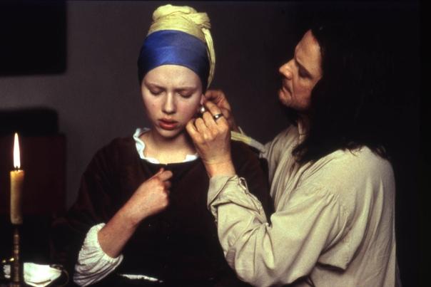 «Девушка с жемчужной сережкой» (Girl with a Pearl Earring, 2003) Фильм посвящен одному из самых знаменитых полотен Яна Вермеера. Скарлетт Йоханссон сгячлась в роли скромной служанки и по